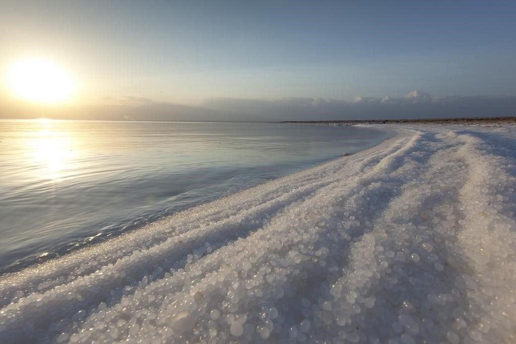 dead-sea-salty-shore